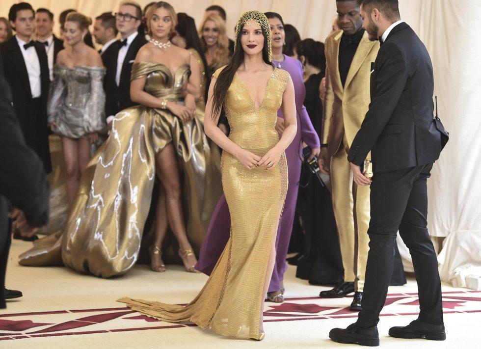 A atriz Olivia Munn escolheu um vestido da H&M Concious Collection.