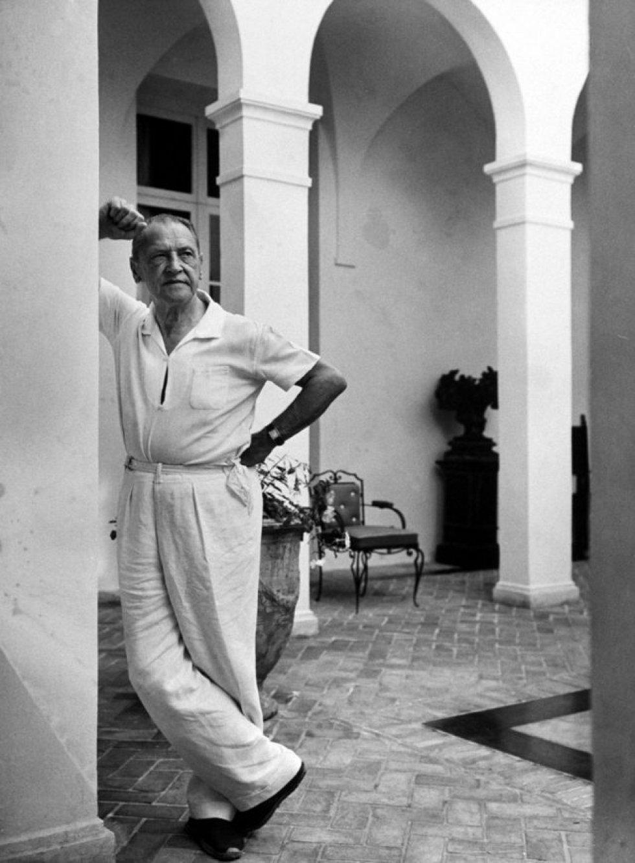 W. Somerset Maugham. O escritor se casou com Syrie Barnardo, mas manteve famosos relacionamentos, segundo suas biografias, com outros autores como Thomas Mann e H. G. Wells. Em seus textos também descreveu uma bissexualidade aberta e sem tabus.