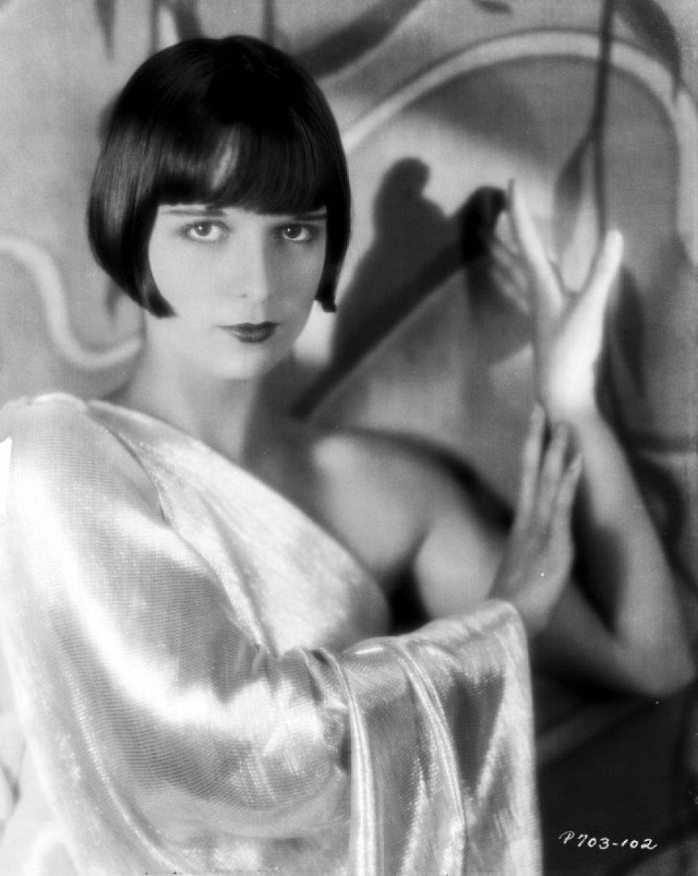 Louise Brooks. A estrela do cinema mudo foi uma mulher liberada para sua época. Casou-se duas vezes e admitiu ter tido um caso de uma noite com Greta Garbo.