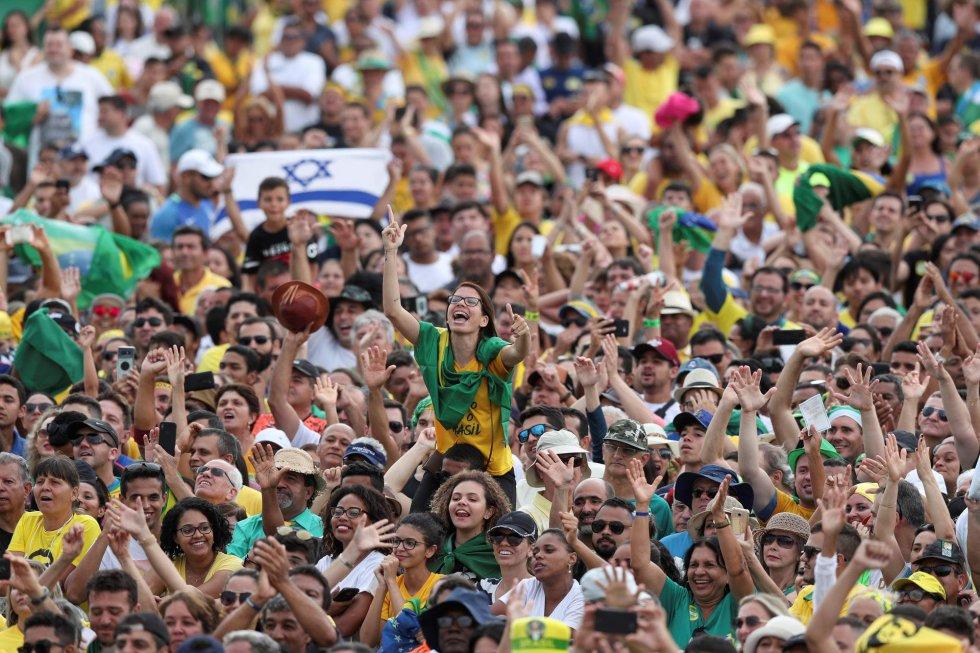 Cerca de 115.000 pessoas assistiram à posse de Jair Bolsonaro na Esplanada dos Ministérios.