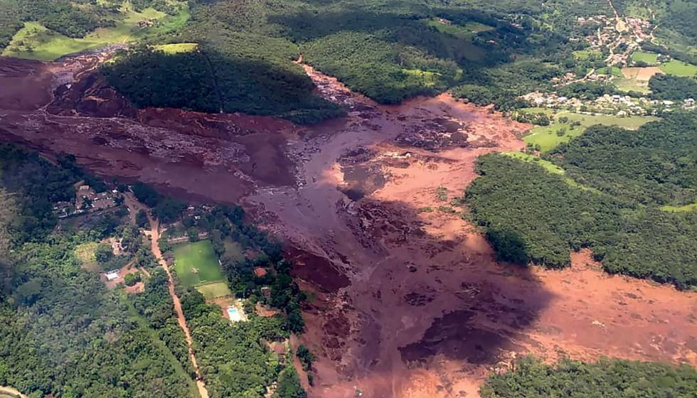 Imagem aérea do desastre ambiental em Brumandinho.