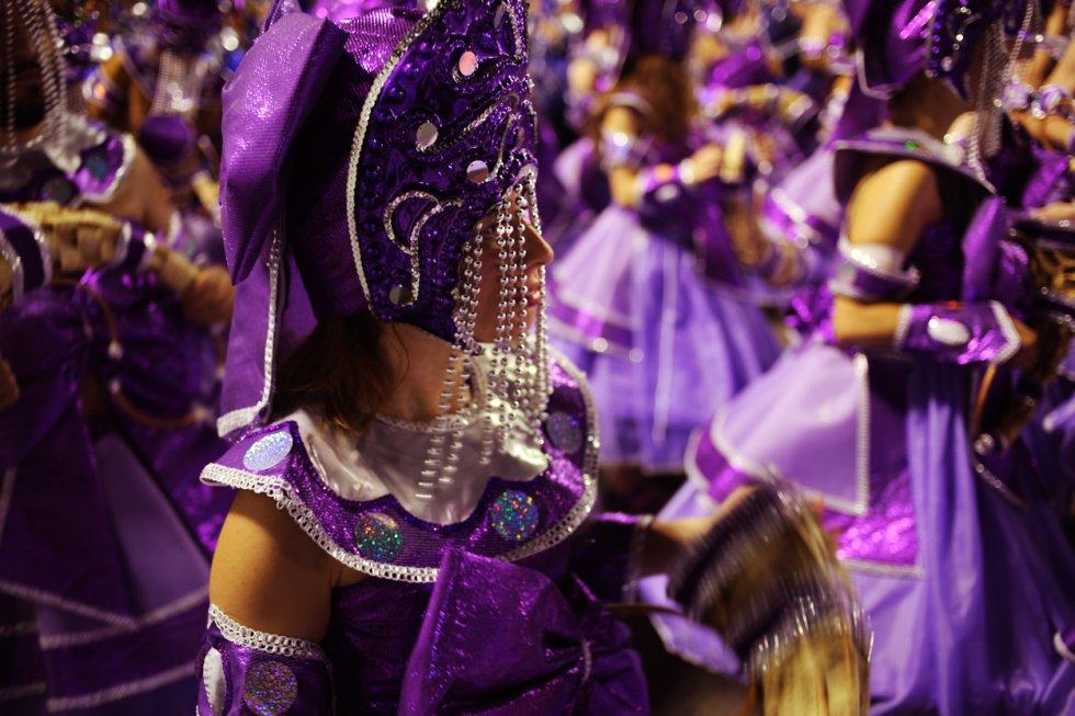 Ala representando a orixá Nanã na escola de samba Renascer de Jaquarepaguá, que foi nona colocada na disputa do título do Grupo de Acesso de 2018. Apenas a campeã passa para o Grupo Especial a cada ano.