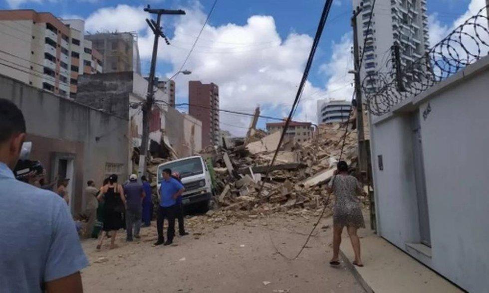 O prédio, que fica no bairro Dionísio Torres, na área nobre da cidade, tinha todos os apartamentos ocupados.