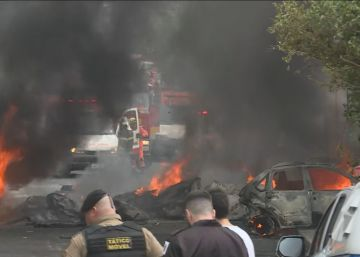 Tres muertos al caer una avioneta sobre unos coches aparcados en una calle de Brasil