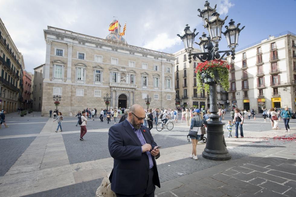 Fotos una cadira per a un alcalde actualidad el pa s - Cadira barcelona ...