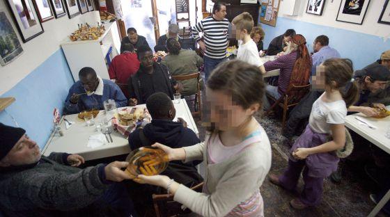 El Chiringuito de Dios: un comedor social para \'sin techo\' en el ...