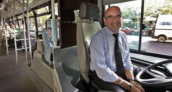 Conductor de autobús amable