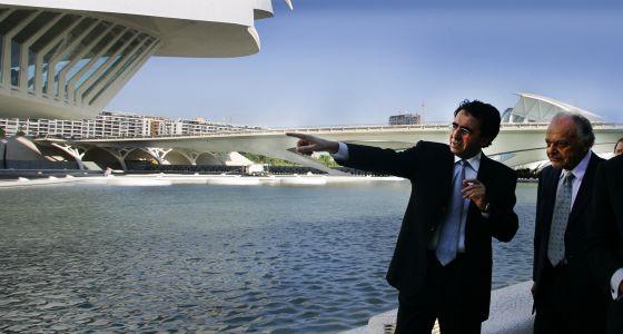 el arquitecto santiago calatrava junto al director lorin maazel en la inauguracin del palau de