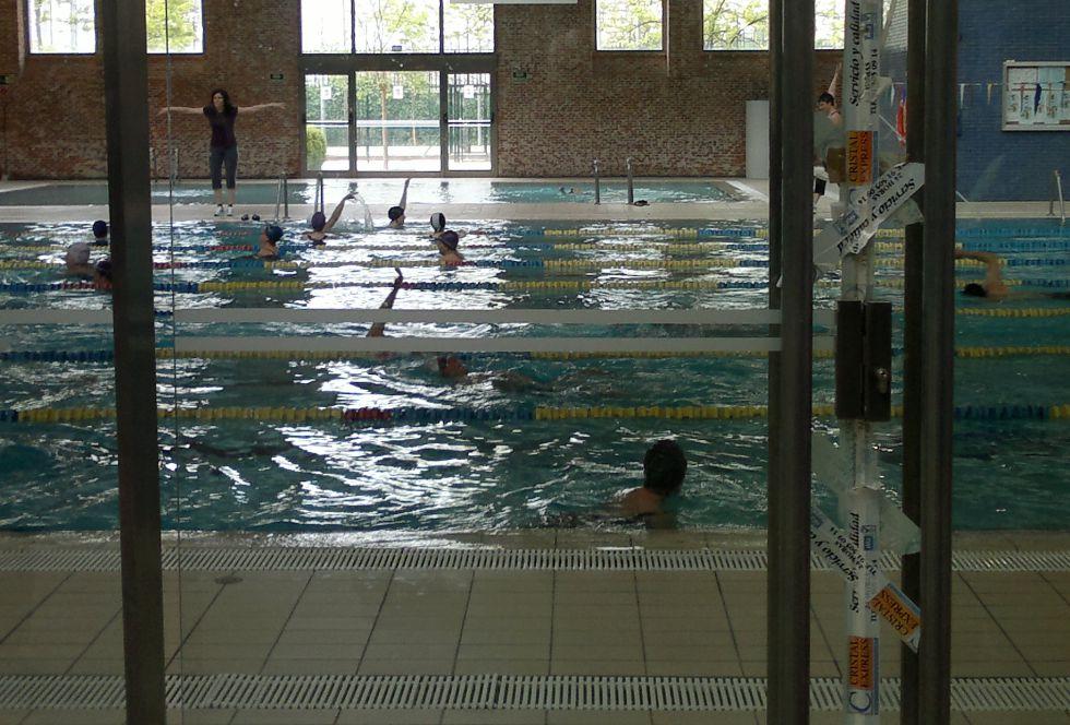 Fotos deficiencias en instalaciones deportivas madrid for Piscina municipal vicalvaro