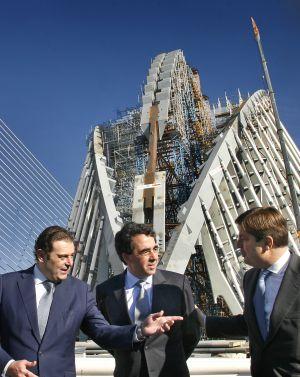 santiago calatrava en el centro en una visita a las obras de la ciudad
