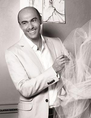1e6f4edd45 Fallece el diseñador de trajes de novia Manuel Mota