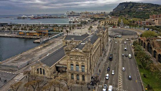 Los yates de lujo cambian el rumbo de la futura sede del for Oficinas de hacienda en barcelona