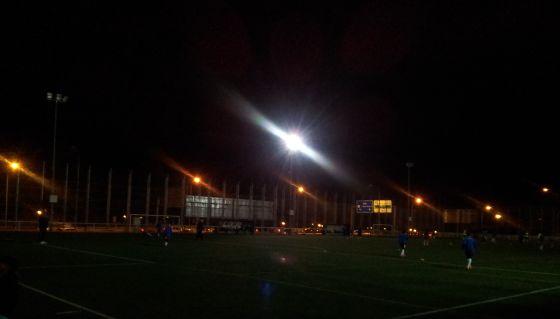 Un Partido De Futbol En La Oscuridad Madrid El Pais