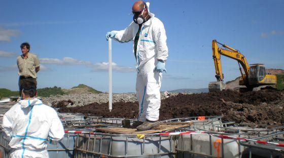 Un juez investiga el vertedero de residuos industriales de Los Barrios | Andalucía | EL PAÍS
