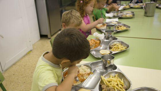 Los padres de alumnos quieren comedores gratuitos en verano ...