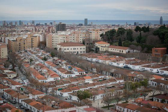 Barcelona salva a Can Peguera, el último barrio de casas baratas ...