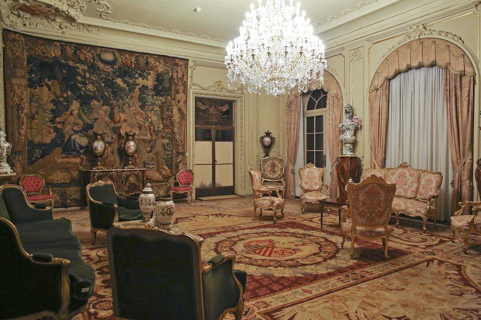 Se llevaron todo menos los muebles catalu a el pa s for Muebles encantadores del pais elegante