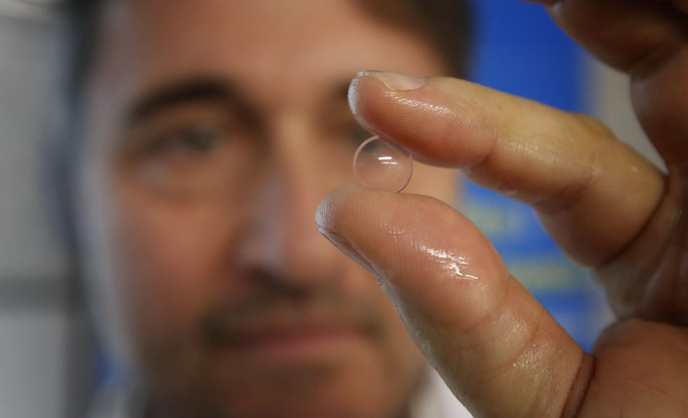 5c1e0f0f548f9 Lentes de contacto  Una lentilla progresiva frena hasta el 43% la evolución  de la miopía