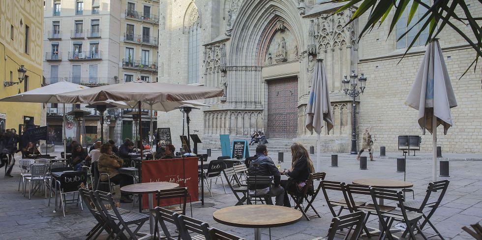 Barcelona Afronta Otro Verano De Récord Sin La Regulación De