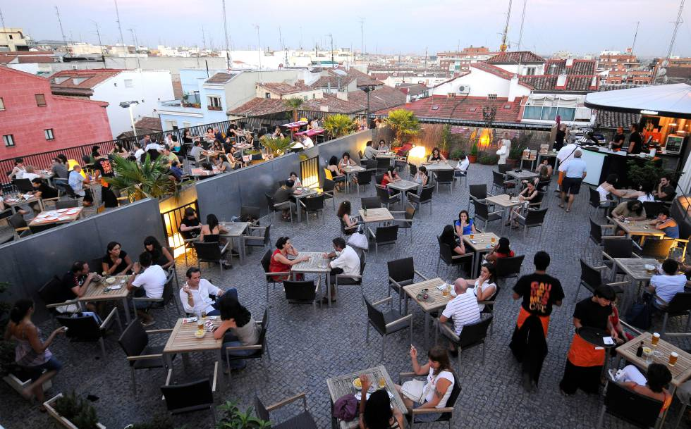 Gau Café El Ayuntamiento Cierra La Terraza De La Uned En