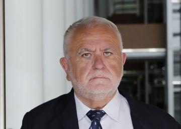 Interior cesa a un mando policial por invitar a un acto a Juan Cotino