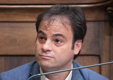 Un teniente de alcalde de Colau defiende el asilo político para Puigdemont