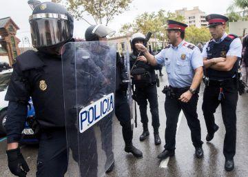 La Fiscalía 'salva' a las patrullas de Mossos acusadas de pasividad el 1-O