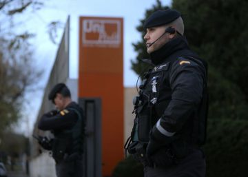 La Guardia Civil registra la sede de Unipost por el referéndum