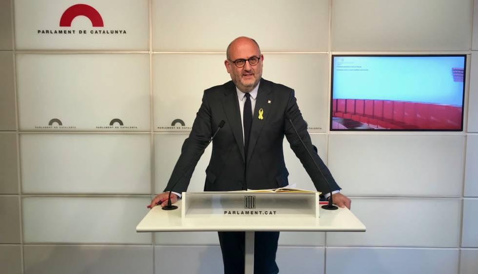 El Parlament pide un informe jurídico antes de pagar las dietas a Puigdemont y tres diputados presos