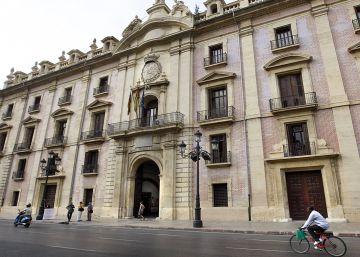 El TSJ anula 11 artículos del decreto que prima el uso del valenciano en la Administración autonómica