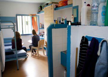 Juicio a dos mujeres por pasar heroína a un preso en la prisión de Teixeiro