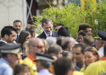 El homenaje a las víctimas logra una breve tregua política