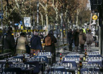 El rendible negoci de les terrasses: un euro al dia per taula a la Barceloneta