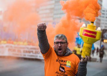 Más de 2.000 personas exigen en A Coruña una solución para Alcoa