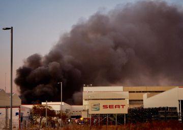 Incendio en Seat de la Zona Franca de Barcelona
