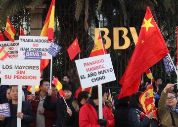 El BBVA pide perdón a los clientes chinos y acelera el desbloqueo de más de 35.000 cuentas