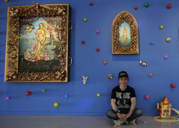 Mario Soria se sirve del bufé libre del arte