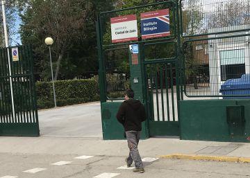 La madre de un alumno que se suicidó en Usera emprenderá acciones legales contra el instituto