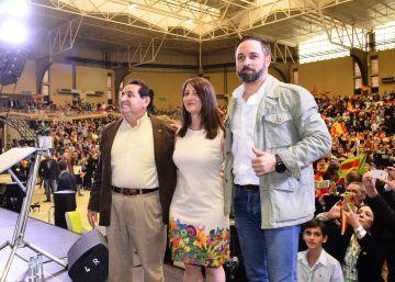 """Abascal rescata en Alicante el lema del PP """"agua para todos"""" y Vox anuncia el cierre de À Punt"""