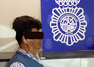 Spanish police detain man with half a kilo of cocaine under his wig