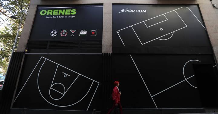 Madrid tiene ocho veces más salones de juego y apuestas que Barcelona