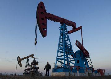 La OPEP estima que la demanda de petroleo se estancará en 2030 por los coches eléctricos