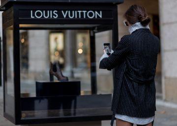 El 'smartphone' desplaza al visón: los jóvenes son ya los impulsores del lujo