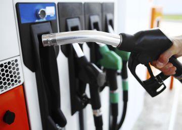 El Gobierno estudia equiparar el precio del diésel y la gasolina eximiendo a transportistas y agricultores