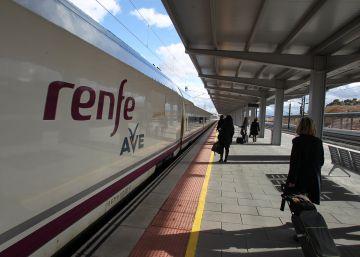 Renfe se alía con Telefónica en busca de ?startups? que promuevan su despegue tecnológico