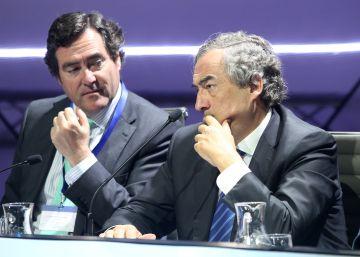 Los empresarios critican el acuerdo presupuestario de Sánchez e Iglesias