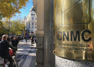 La CNMC fuerza bajadas en las ofertas de fibra: reduce distintos precios mayoristas que cobra Telefónica