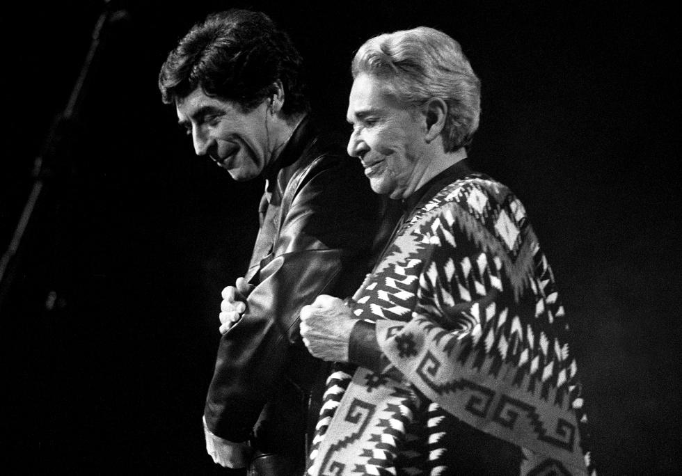 Joaquín Sabina y Chavela Vargas, en el homenaje a Alfredo Jiménez, en Madrid.