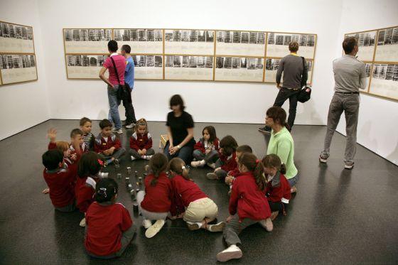 Resultado de imagen para niños en museos