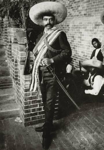 Toda la munición contra Zapata  51d8fa9e0bf